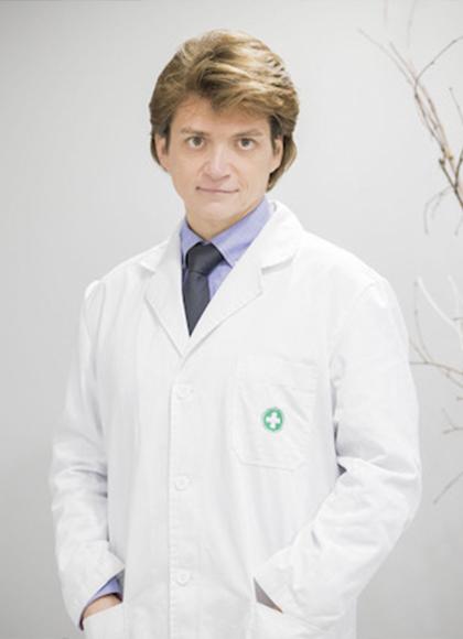 Dr. Antonio Oliveros Cid