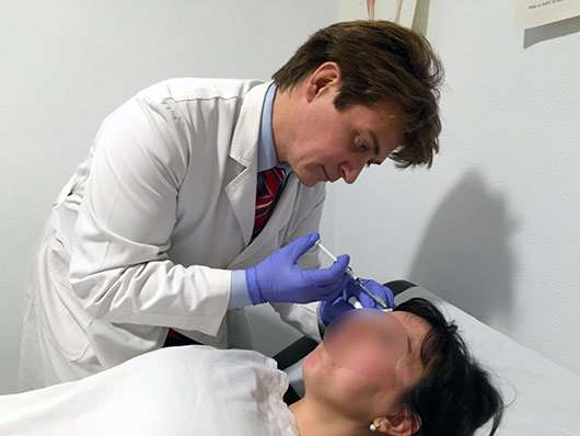 Inyectar botox para curar migrañas