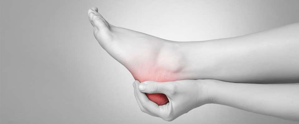 A que se debe el dolor intenso en los talones