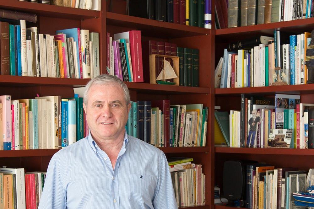 Vicente Ezquerro - Psicólogo y Psiquiatra