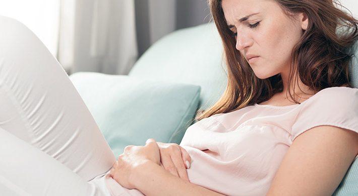 Dolor menstrual, fibromas, quistes de ovario, endometriosis… ¿por qué aparecen y cómo se tratan?