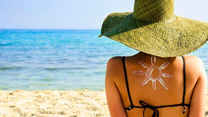 Pecas y manchas… ¿Aparecen por el sol?
