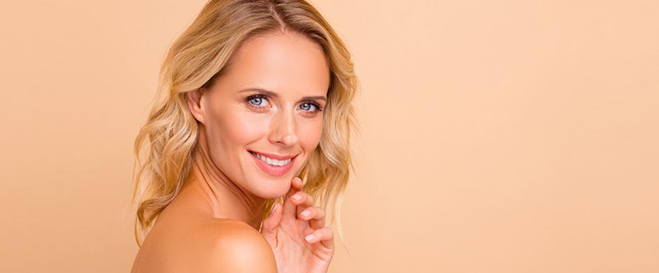 Rejuvenece tu rostro de forma natural gracias a los rellenos faciales de ácido hialurónico